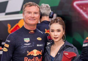 Sam quyến rũ bên 'tay đua huyền thoại F1' David Coulthard