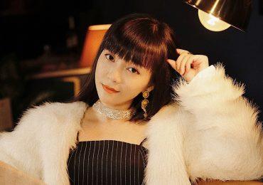Đinh Hương 'một mình một cõi' với dòng nhạc chưa từng có ở Vpop