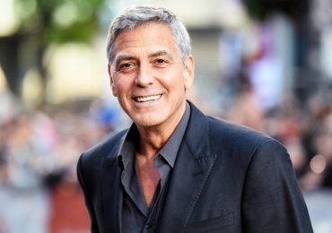 George Clooney từng tặng cho hội bạn thân mỗi người 1 triệu USD
