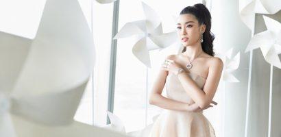Hoa hậu Đỗ Mỹ Linh diện trang sức đắt giá đi dự sự kiện