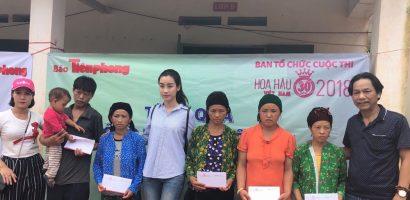 Hoa hậu Đỗ Mỹ Linh giản dị đi cứu trợ đồng bào miền Bắc bị mưa lũ
