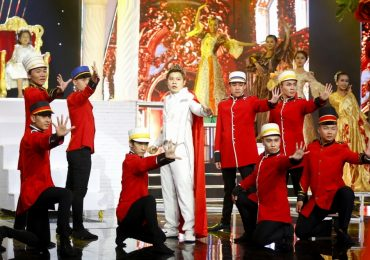 Nhạc sĩ Nguyễn Văn Chung và con gái vào chung kết xếp hạng 'Gia đình nghệ thuật 2018'