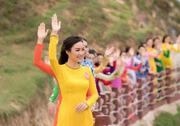 Top 30 HHVN 2018 khu vực phía Nam dâng hương tại tượng đài chiến thắng Núi Bà