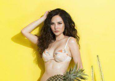 Nguyễn Diệu Linh tung bộ ảnh bikini nóng bỏng, đốt cháy ngày hè