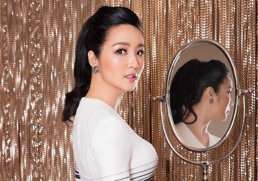 Mặc kín đáo, Hoa hậu Giáng My vẫn hút 'vạn ánh nhìn' nhờ nhan sắc không tuổi