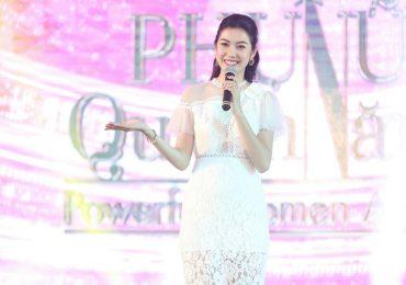 Thúy Vân tự tin hát ca khúc tự sáng tác tại buổi talkshow dành cho phụ nữ