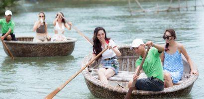 Hoa hậu Phan Thị Mơ cùng các người đẹp Đại sứ du lịch TG trở lại Hội An
