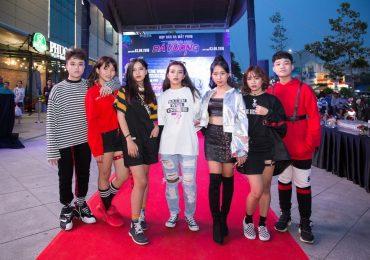 Đông đảo sao Việt đến chúc mừng đạo diễn Duy Joseph ra mắt phim 'Trường học Bá Vương'