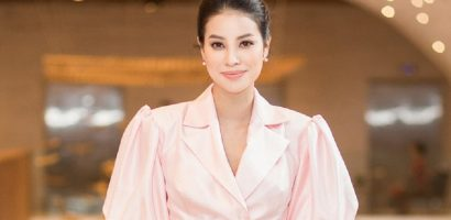 Hoa hậu Phạm Hương khoe chân dài miên man tại sự kiện