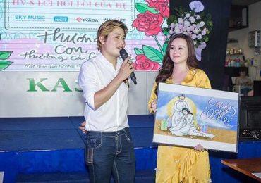 Nhạc sĩ Nguyễn Văn Chung lại gây xúc động với album hát về mẹ