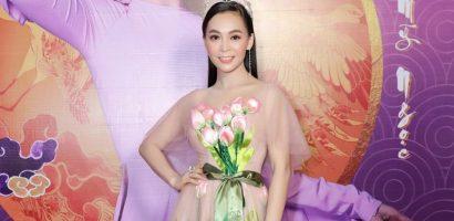 Trần Mỹ Ngọc hạnh phúc trong ngày ra mắt album mới