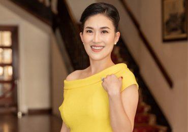 Fashionista trung thành với Vũ Ngọc & Son từng là tiếp viên hàng không 14 năm