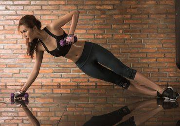 Hoa hậu Tường Linh: 'Tôi tập gym ngay trong phòng chờ sân bay'