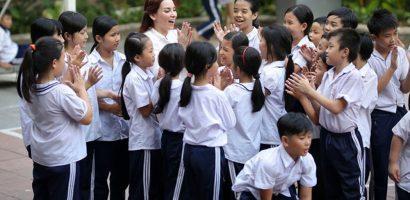 Phi Nhung ra mắt MV lên án vấn nạn bỏ con