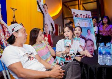 Việt Hương trẻ trung như gái đôi mươi đi giao lưu với fan hâm mộ