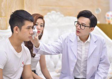 Thí sinh Siêu mẫu VN 2018 được Dược sĩ Tiến tư vấn làm đẹp trước thềm chung kết