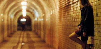 Sinh viên bán dâm 4 lần bị đuổi học: Quy định gì kỳ vậy?