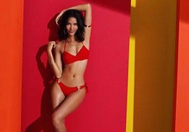 Á hậu Hoàng Thùy nóng bỏng mắt trong bộ ảnh bikini