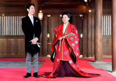 Công chúa Nhật cười hạnh phúc trong hôn lễ với chồng thường dân