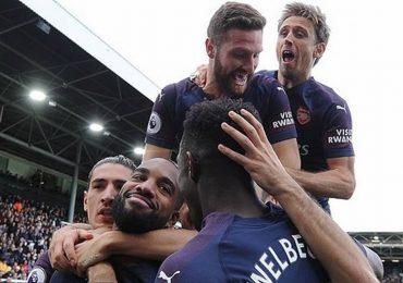 Arsenal nhận 392 triệu đôla tiền tài trợ áo đấu mới
