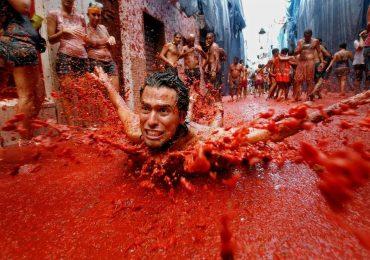 Lễ hội cà chua nhuộm đỏ Tây Ban Nha có gì thú vị?