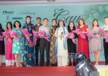 Trịnh Kim Chi tham dự đám cưới tập thể của 40 cặp đôi khuyết tật