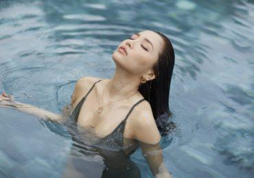 Bích Phương lột xác gợi cảm, diễn xuất nóng bỏng trong MV mới