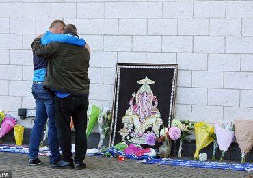 CĐV Leicester xếp hàng cầu nguyện cho tỷ phú Vichai phía ngoài SVĐ