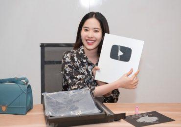 Nam Em tự lái xe tiền tỉ đi nhận nút bạc YouTube