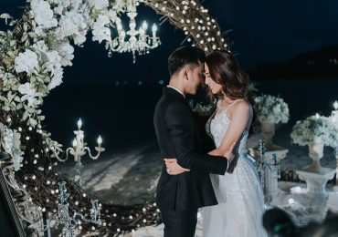 Ưng Hoàng Phúc bất ngờ cầu hôn Kim Cương trên bãi biển