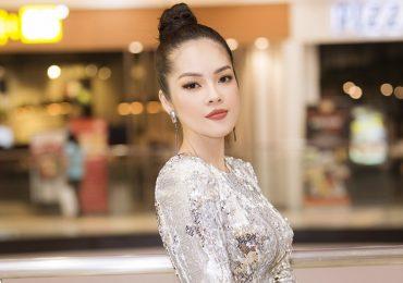 Dương Cẩm Lynh khoe vẻ gợi cảm 'bà mẹ một con' tại sự kiện