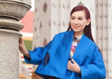 Phi Nhung khoe vẻ đẹp không tuổi
