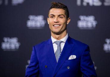 Ronaldo dẫn đầu top 10 'ông hoàng' trên Instagram
