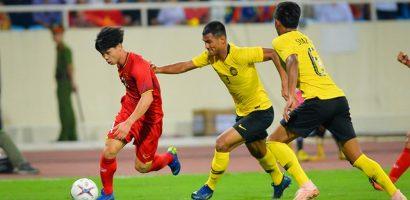 'Hậu vệ Malaysia đánh nguội Công Phượng đáng phải nhận thẻ đỏ'