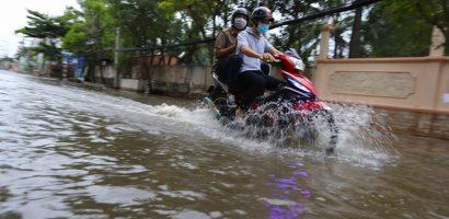 Triều cường dâng cao, khu nhà giàu Thảo Điền lại ngập lênh láng