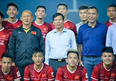 Đội tuyển Việt Nam được động viên trước giờ sang Lào dự AFF Cup 2018