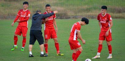 HLV Park Hang-seo 'xâu kim' Anh Đức trong trò đá bóng ma