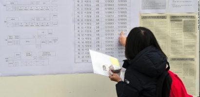 Trước kỳ thi khó nhất trong năm, Hàn Quốc xôn xao về gian lận thi cử
