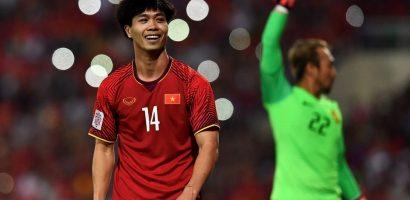 AFF Cup 2018: Công Phượng ghi bàn, liên tục làm khổ hàng thủ Malaysia