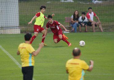 AFF Cup 2018: HLV Park Hang-seo 'đuổi' Công Phượng vì hành vi phi thể thao