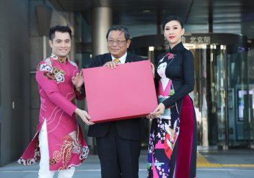 Áo dài Việt Nam của NTK Nhật Dũng tiếp tục tỏa sáng tại Nhật Bản