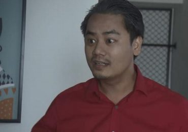 Bất ngờ với nhan sắc 'soái ca' của diễn viên đóng 'bố dượng Quỳnh Búp Bê' trong loạt ảnh thời trai trẻ