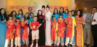 Emily Hồng Nhung kêu gọi giúp đỡ trẻ em Việt Nam
