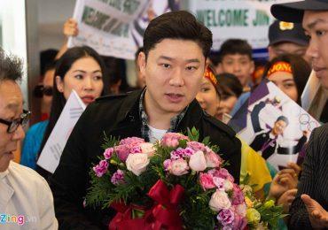 Xạ thủ huyền thoại 4 lần vô địch Olympic đặt chân đến Việt Nam