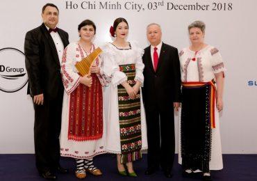 Lý Nhã Kỳ cùng dàn sao kỷ niệm 100 năm Ngày Quốc khánh Romania tại TP. HCM