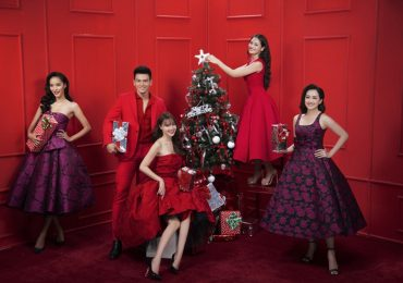 Lan Ngọc đón Giáng sinh bên hội 'gái già' và trai đẹp Lê Xuân Tiền