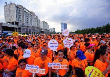 Sao Việt 'đội mưa' chạy bộ, quyên góp hơn 1,6 tỷ hỗ trợ mổ hàm ếch cho các em nhỏ