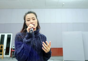 Đông Nhi tập trung tối đa tập luyện cùng ban nhạc cho liveshow 40.000 khán giả