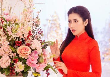 Dương Yến Nhung diện áo dài khoe vẻ đẹp dịu dàng, nền nã tại sự kiện