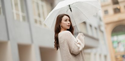 Trà Ngọc Hằng khoe vẻ đẹp đầy kiêu hãnh giữa trời đông Hà Nội